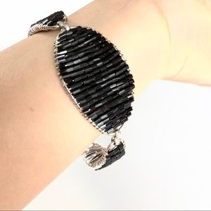 Jewelry - 🌻 EUC Black beads bracelet Silver